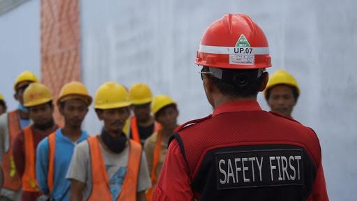 Alat Safety untuk Bidang Konstruksi